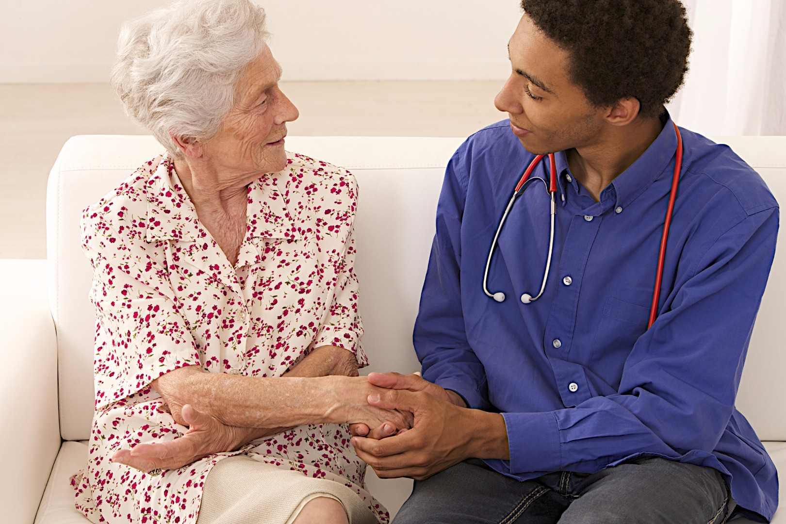 senior-woman-medical-visit-at-homejpg