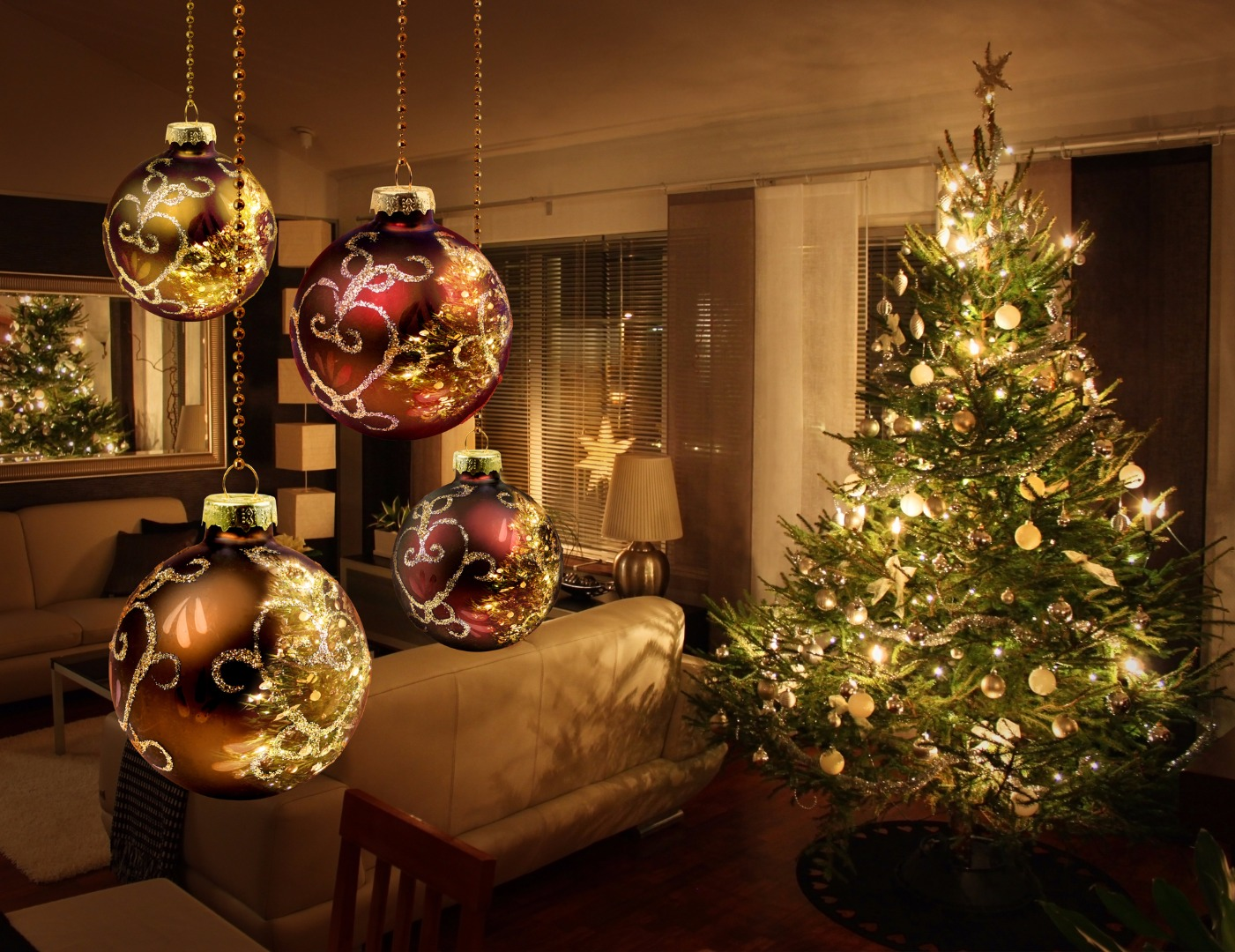 christmas-tree-ornamentsjpg